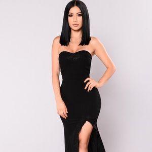 NWT‼️ Shot at Love Maxi Dress Black Size Small